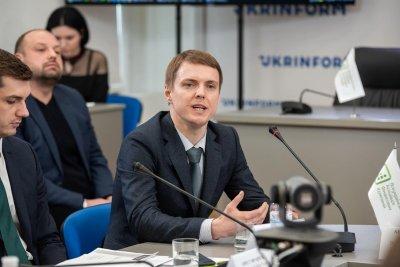 Заступник директора департаменту ліцензування Сергій Савчук